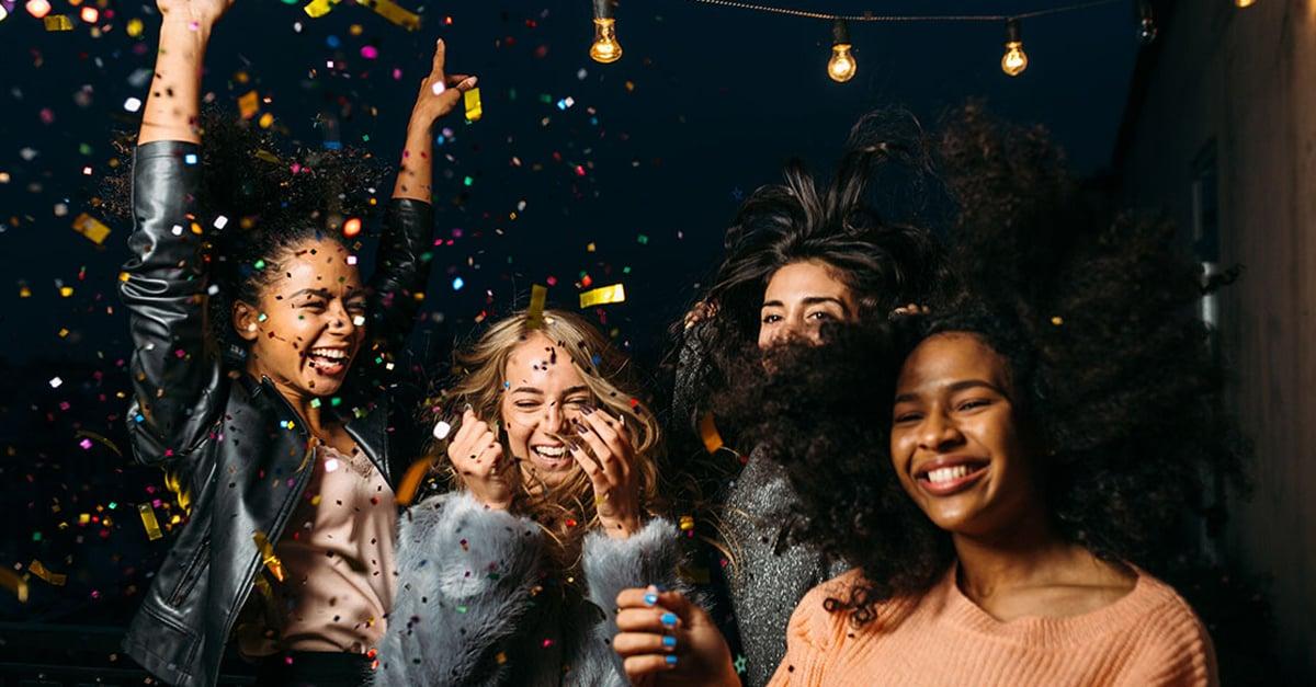 Empresa te paga 50 dólares la hora por salir de fiesta y bailar toda la noche