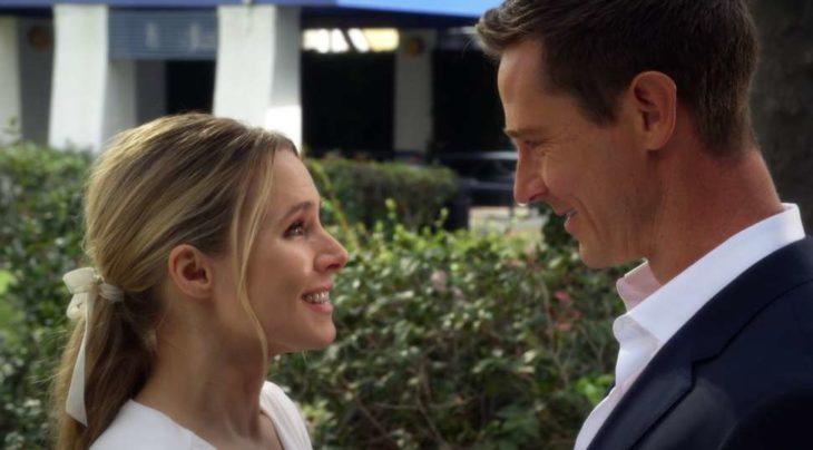 Logan Echolls y Veronica Mars durante su boda en la serie Veronica Mars