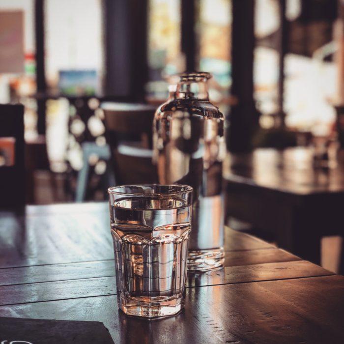 Vaso de agua natural