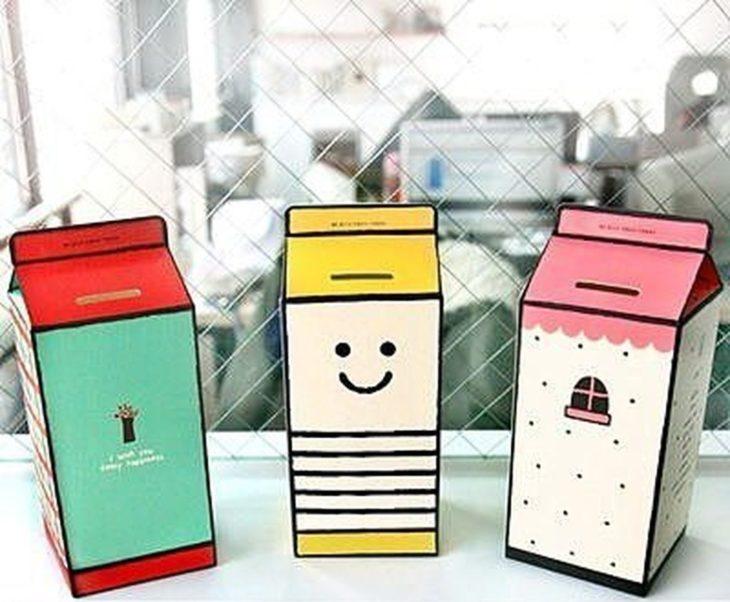 Alcancías en forma de cartón de leche de colores
