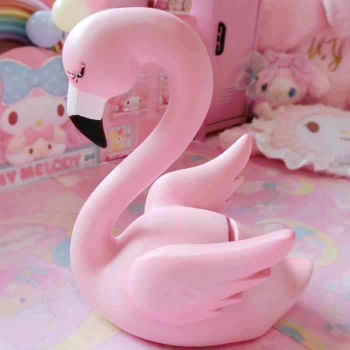 Alcancía en forma de flamingo color rosa