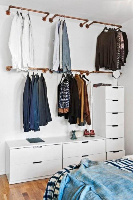 Closet montado en pared sin armazón