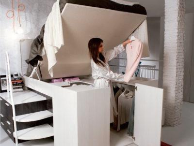 Base de cama alta para usar la parte baja como armario