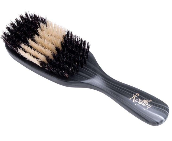 Cepillo de cerdas naturales que da brillo al cabello