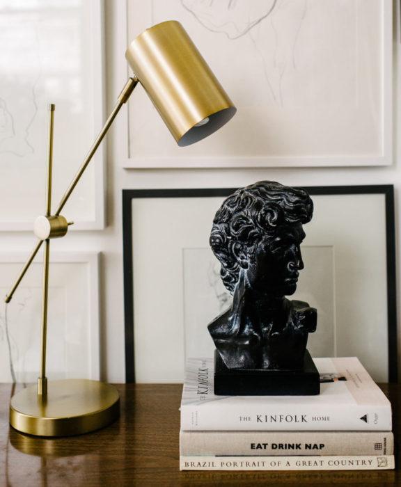 Decoración negra para tu casa; busto de Apollo