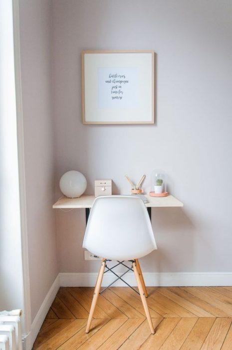 Área de escritorio minimalista