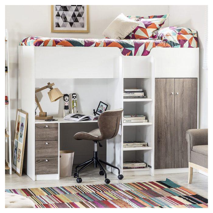Litera adecuada para que la parte de abajo sea utilizada como área de escritorio, armario y librero