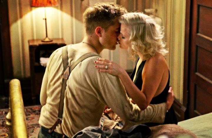 Reese Witherspoon y Robert Pattinson en Agua para elefantes, escena de beso