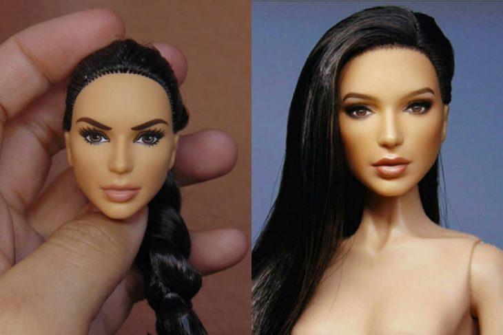 Muñeca tipo Barbie repintada para dar mayor parecido a la actriz Gal Gadot