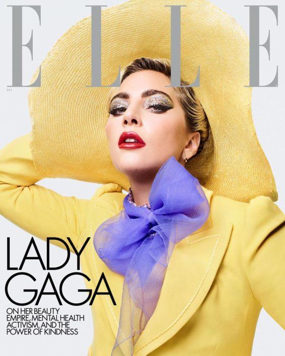 Lady Gaga con traje amarillo para la portada de ELLE