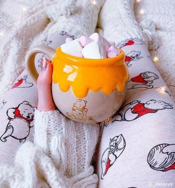 Taza cafetera inspirada en el tarro de miel de Winnie Pooh