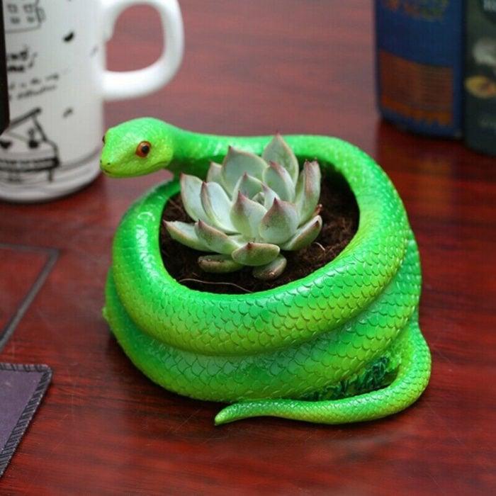 Macetas tiernas y originales de animales; serpiente, víbora
