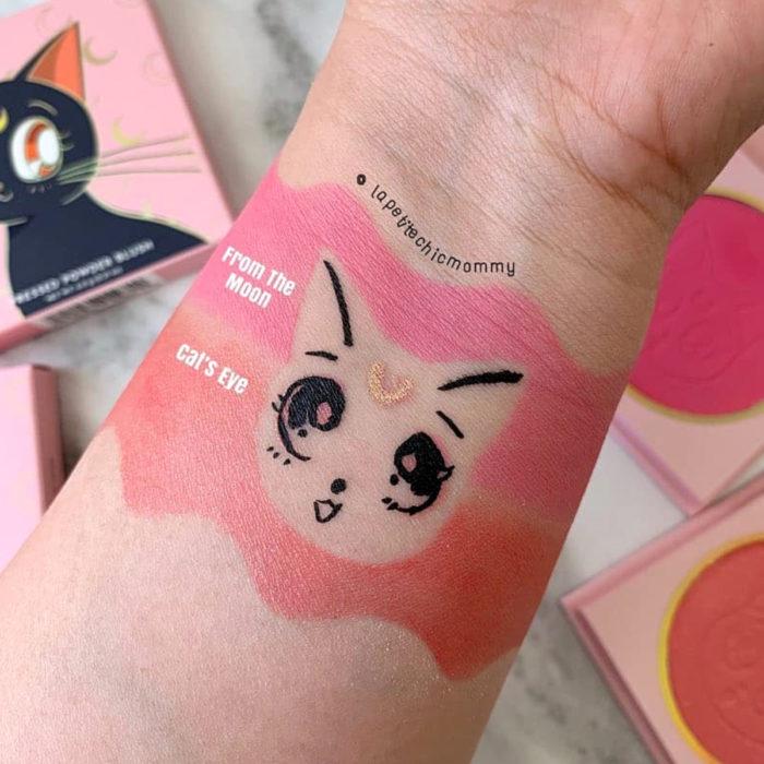 Maquillaje ColourPop de Sailor Moon; swatch de rubor rosa