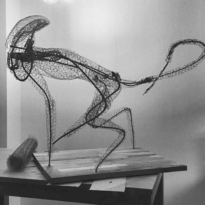 Escultura para moldear una figura de alien