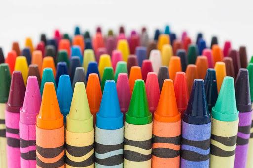Crayolas de diferentes colores
