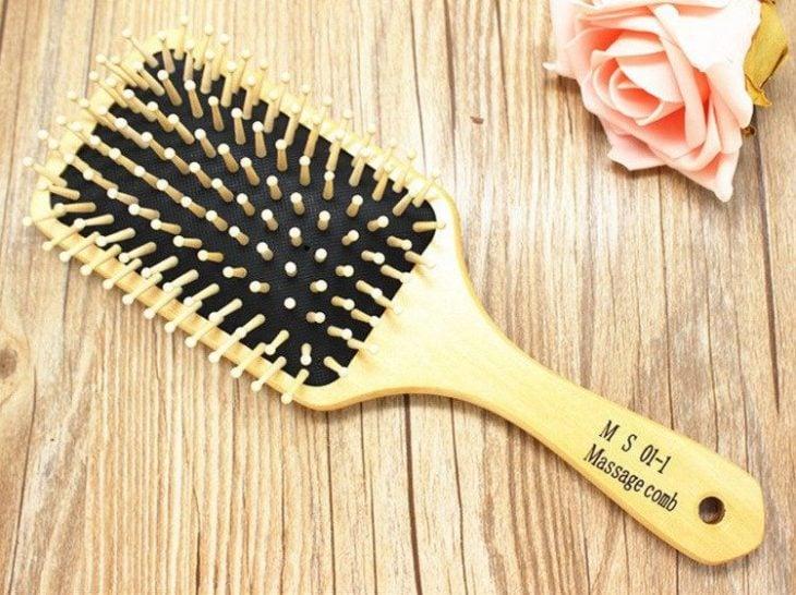 Cepillo paleta o paddle para cabello lacio y grueso