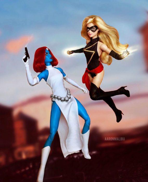 Muñecos Barbie utilizados para recrear la escena de X-men y la chica Marvel
