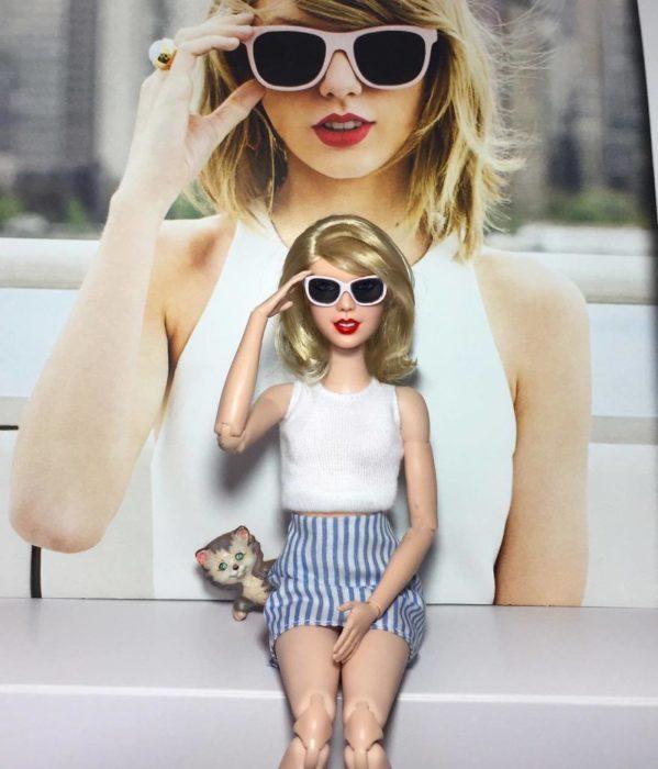 Muñecos Barbie utilizados para recrear a Taylor Swift