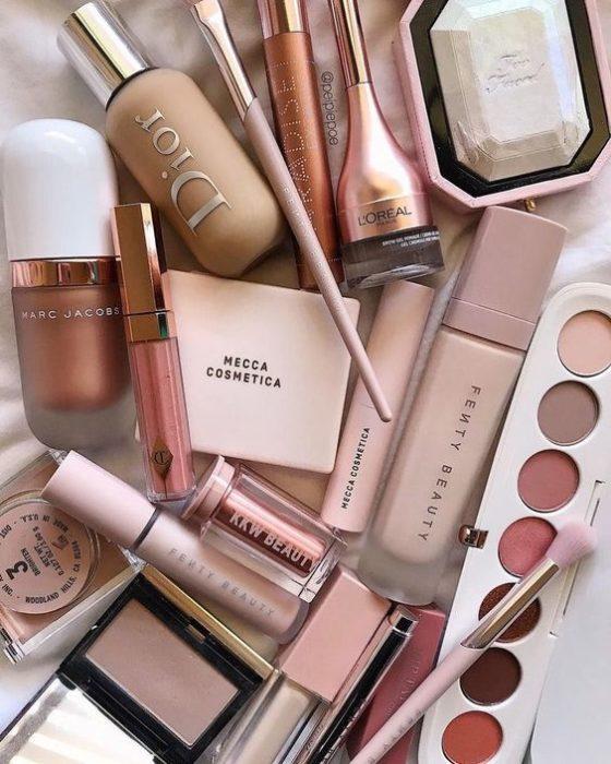 Maquillaje en tonos neutros para chicas