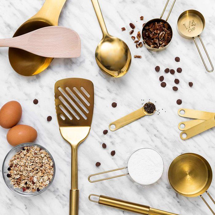 Set de cucharas medidoras y para cocinar de metal