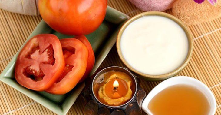 Mascarilla de tomate, yogur y harina de avena