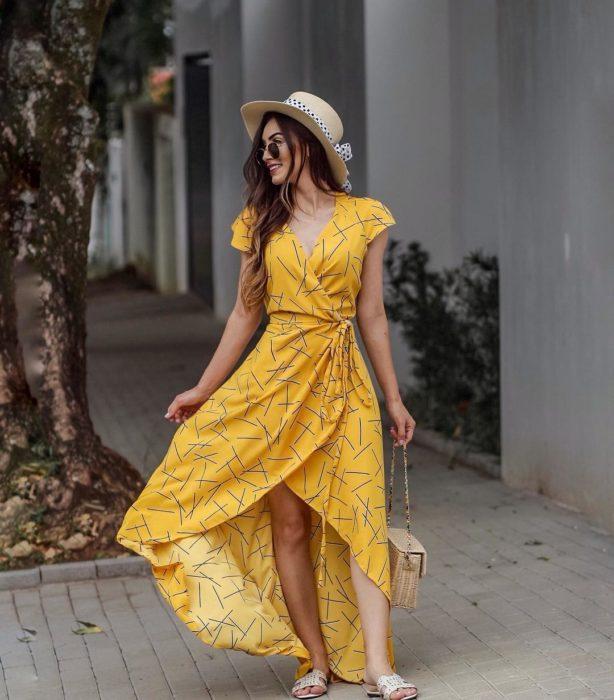 Wrap dress amarillo largo, con líneas negras