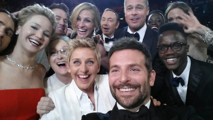 Selfie que tomó Ellen Degeneres en los óscar