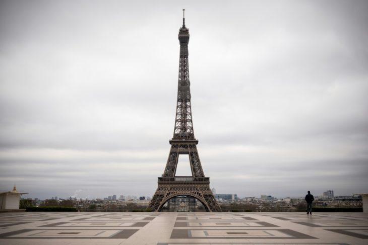 La plaza de Trocadéro en París sin personas