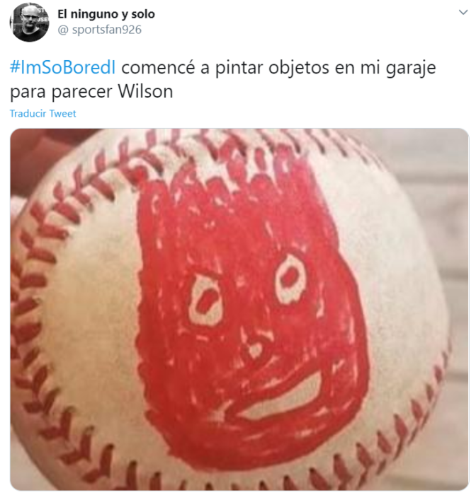 Captura de Twitter con imagen de pelota de beisboll pintada como la pelota de la película de Naufrago