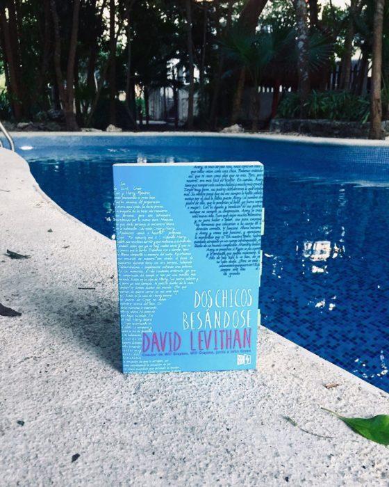 Libro Dos chicos besándose de David Levithan