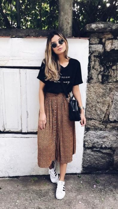 Falda larga café con lunares negros