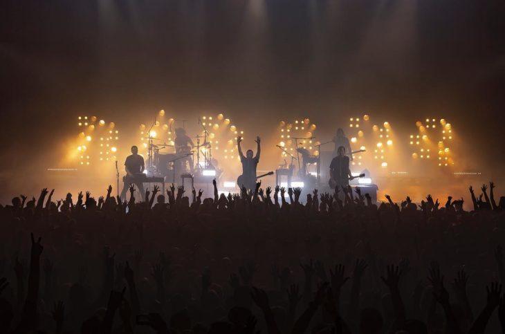 Nine Inch Nails en un concierto al aire libre