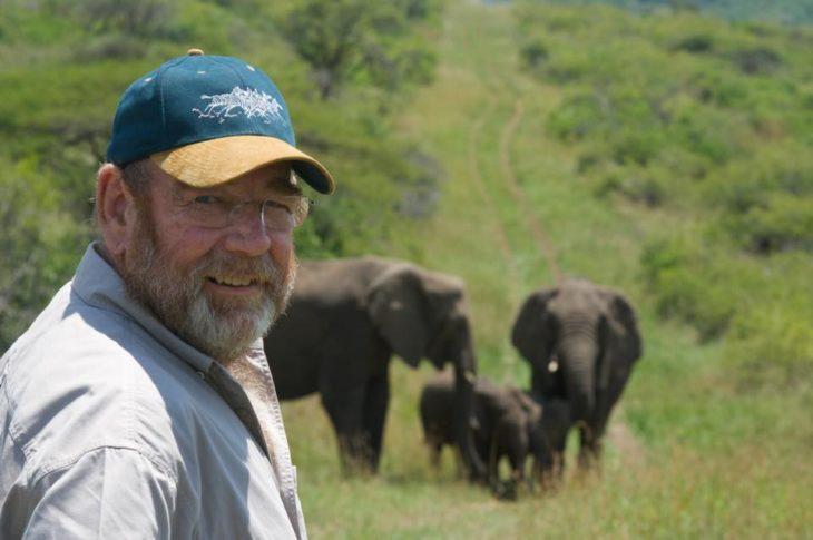 Lawrence Anthony en la reserva de elefantes Thula Thula