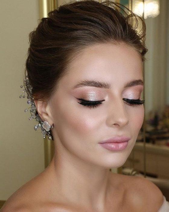 Maquillaje de novia estilo minimalista