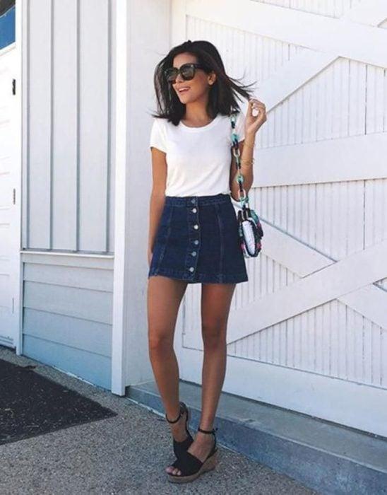 Mini falda de mezclilla con botones