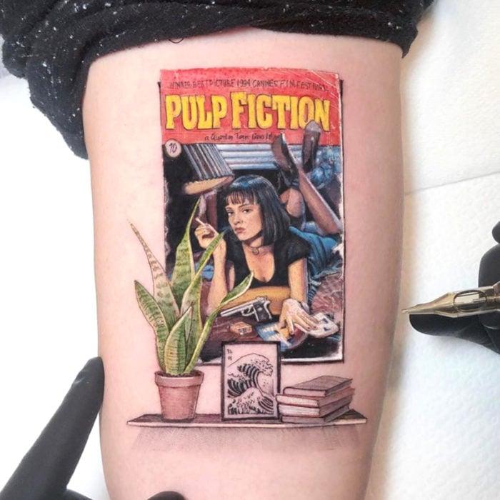 Minitatuajes realistas de Eden Kozokaro; Mia de Pulp Fiction