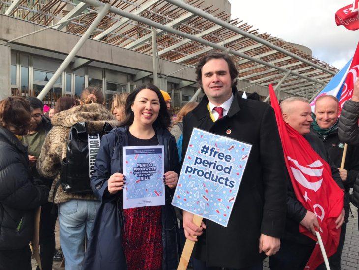Monica Lennon en la proposición de abastecimiento gratuito de productos menstruales en Escocia
