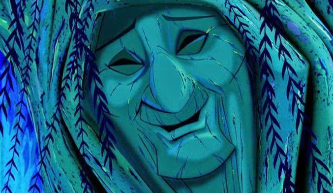 La abuela Sauce Película:Pocahontas, sonriendo ligeramente