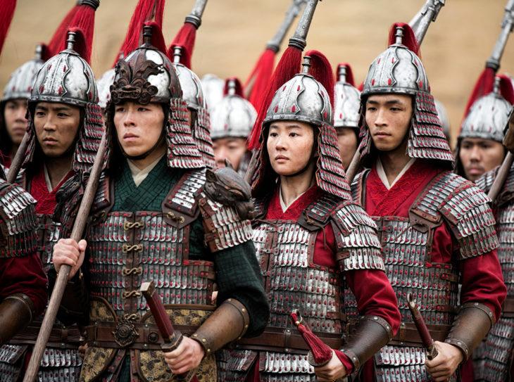 Li Shang y Mulán, perlícula animada y versión live action