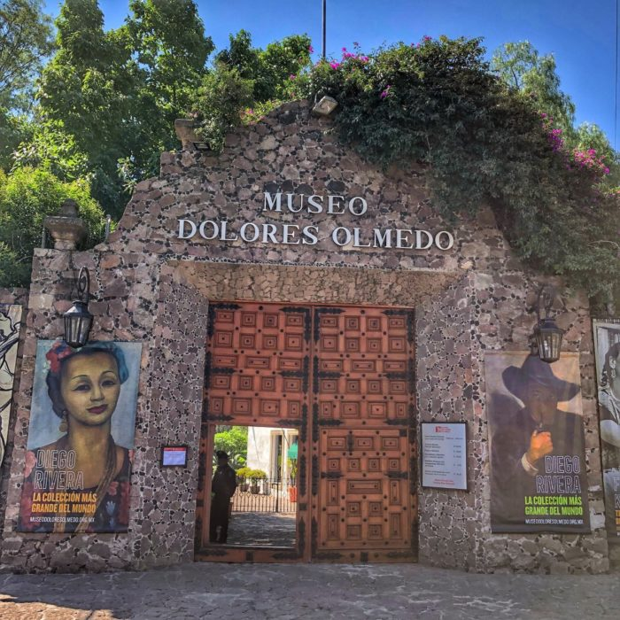 Fachada principal del Museo Dolores Olmedo