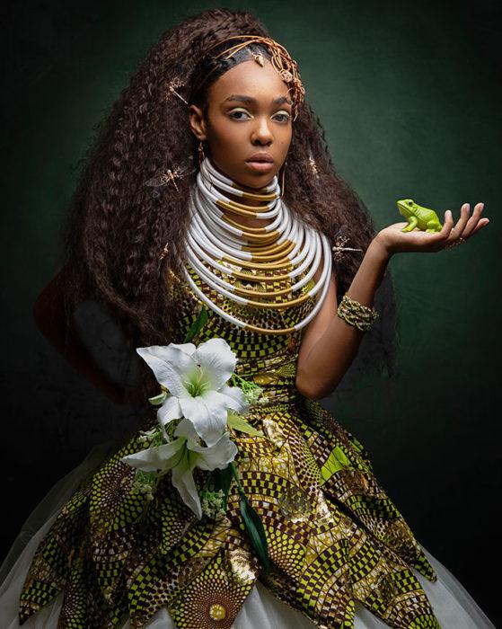 Niña africana vestida como la princesa Tiana