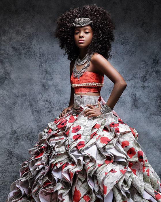 Niña africana vestida como Moana