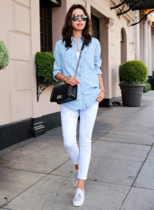 Outfit con jeans blancos