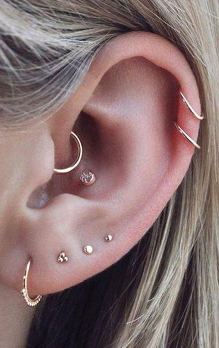 Diferentes tipos de piercings en el oído
