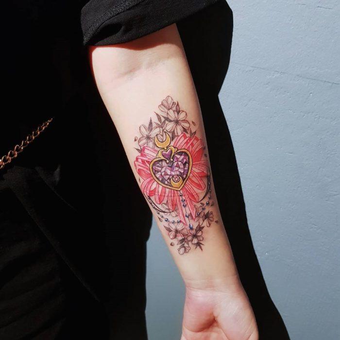 Tatuaje del prisma lunar de sailor moon