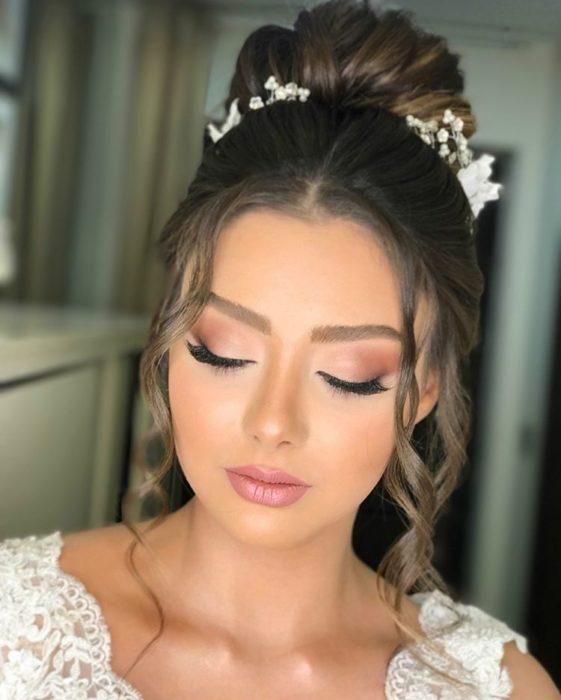 Maquillaje de novia en sombras mate
