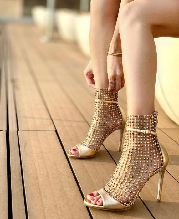 Rene Caovilla diseña zapatillas stiletto inspiradas en las estrellas, colección GALAXIA