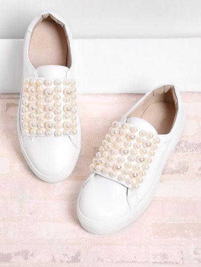 Tenis blancos con perlas en tono rose gold