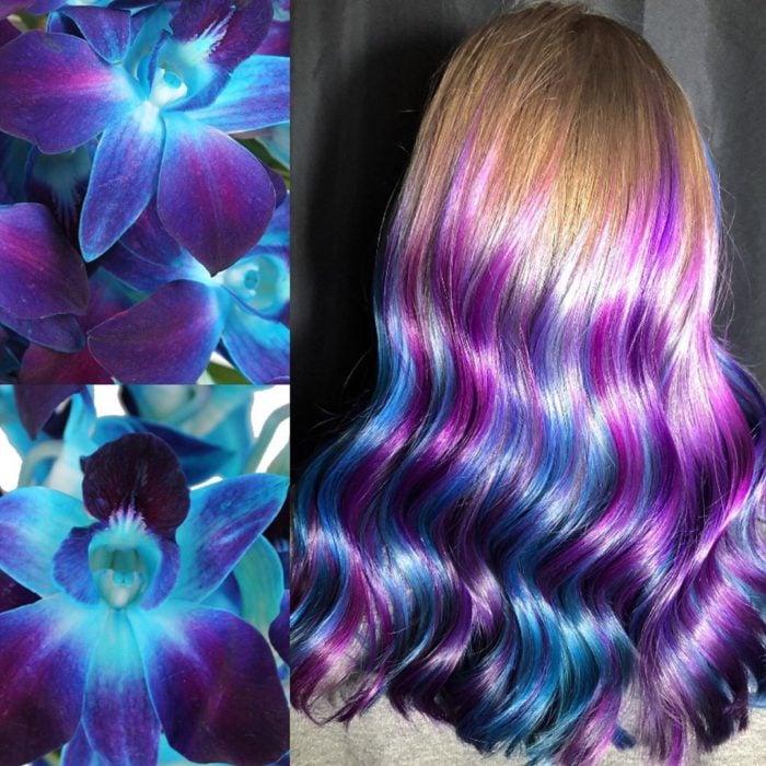 Ursula Goff, estilista crea tintes basados en naturaleza y obras de arte; flores, cabello largo, ondulado, castaño claro, rubio con morado y azul
