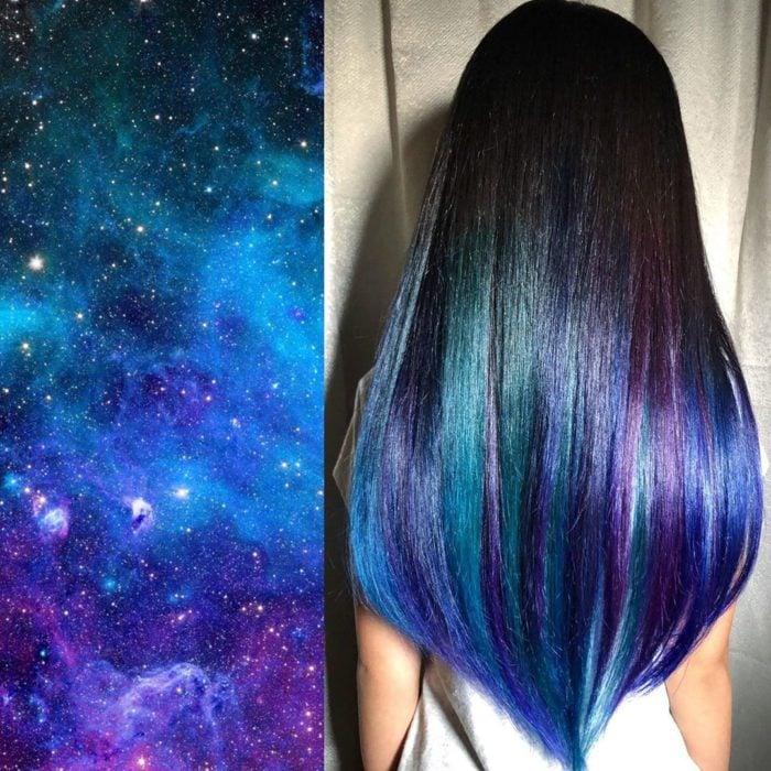 Ursula Goff, estilista crea tintes basados en naturaleza y obras de arte; universo, espacio y estrellas, cabello largo y lacio negro, verde, azul y morado